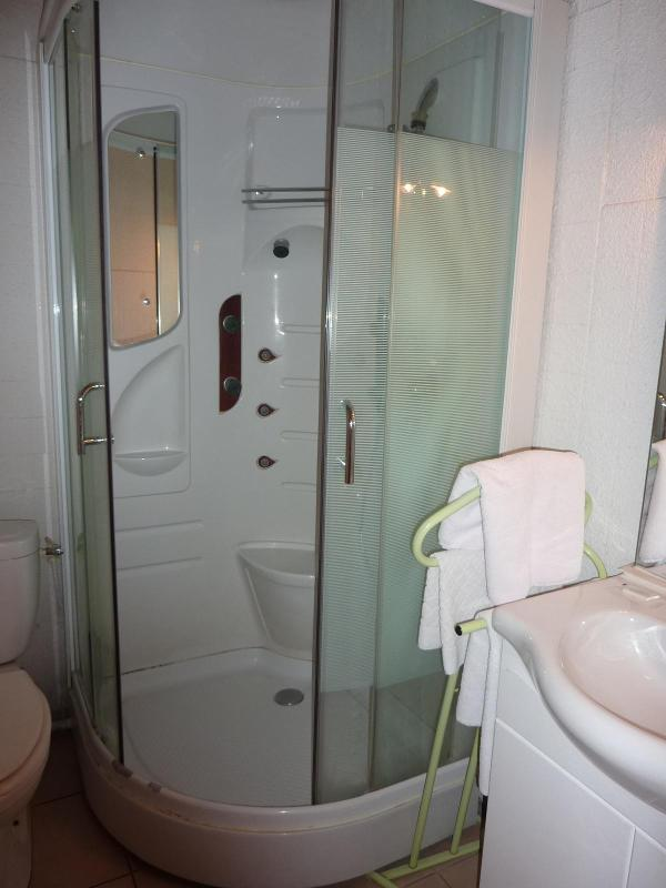 Hôtel Bonne Nuit - Calme, confort  propreté