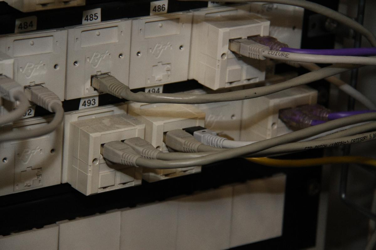 Pose de prises électriques par Fournier Electricité à Lacrost 71