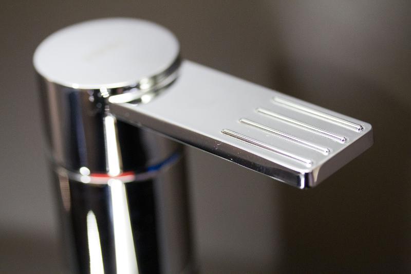 Tout le matériel pour plomberie et sanitaire (robinetterie, mitigeur)